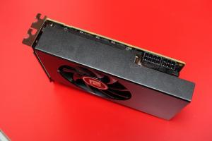 powercolor_radeon_rx_vega_56_nano2_mini.JPG
